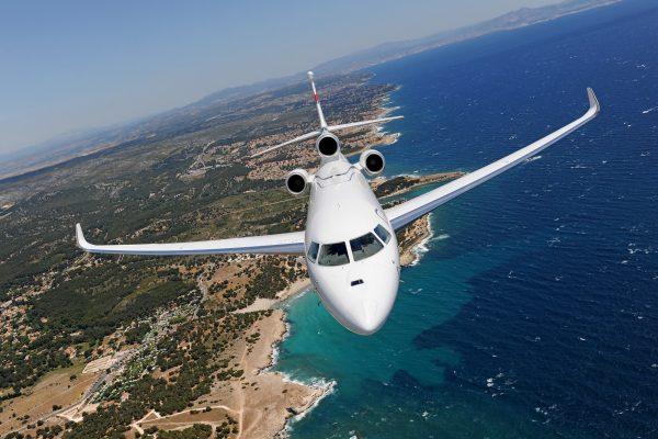 Dassault Aviation fait voler trois Falcon aux biocarburants au NBAA-BA