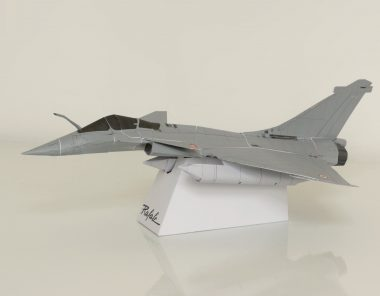 Papercraft of the Rafale C